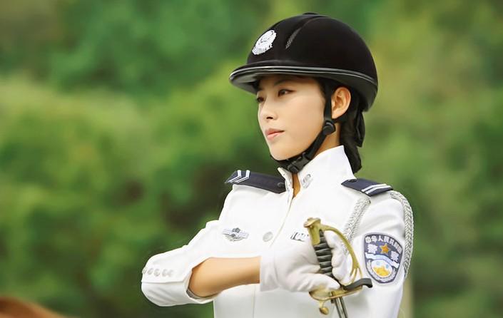 女性警察官:が備わった中国の
