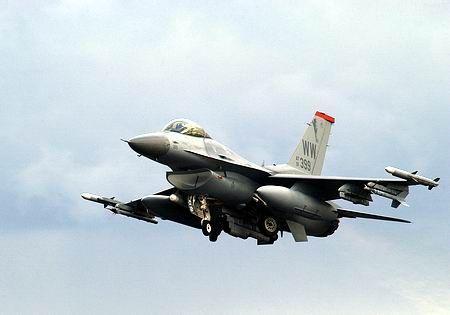 F 16 (戦闘機)の画像 p1_4