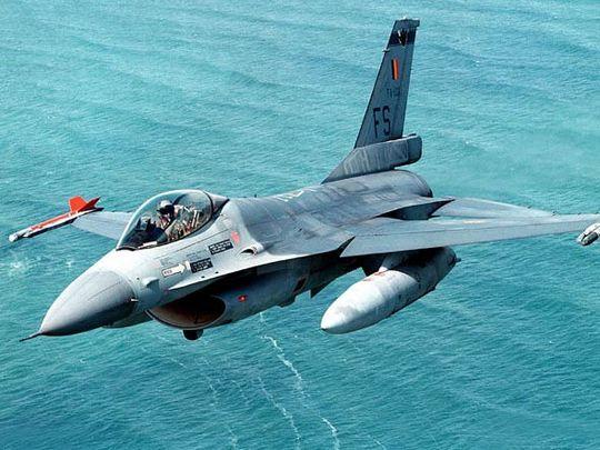F 16 (戦闘機)の画像 p1_19