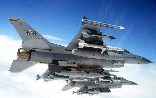 F 16 (戦闘機)の画像 p1_18