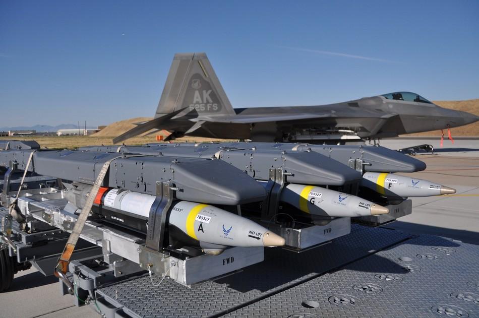F 22 (戦闘機)の画像 p1_27