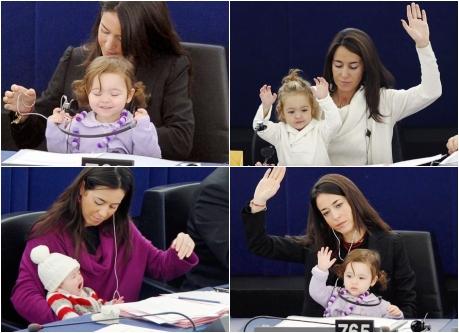 「かわいい女の子議員」が欧州議会に再び登場 両手で賛成!(写真集)_中...