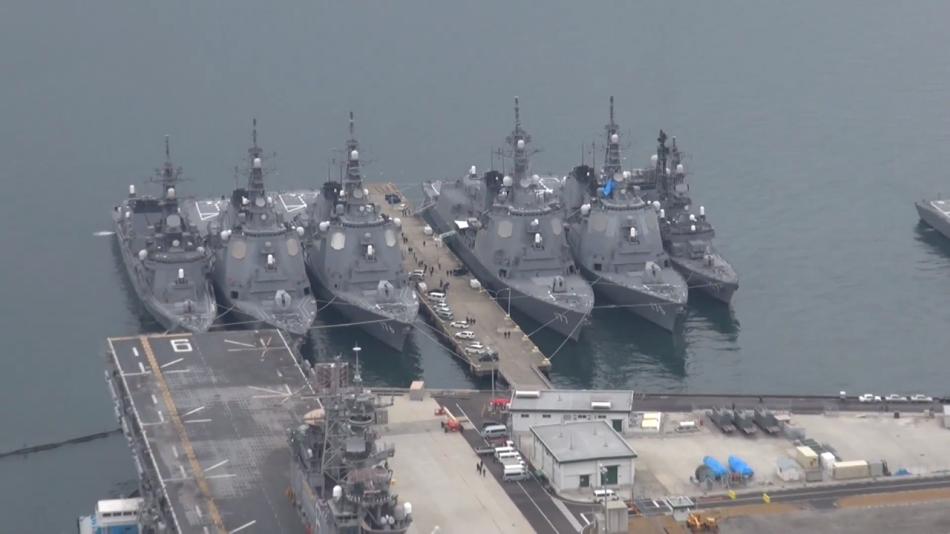 朝鮮の「人工衛星」発射に備え、日本海上自衛隊は5日、佐世保基地にDD1... 朝鮮のロケットに対