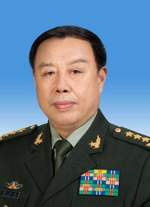 中央軍事委員会、副主席に範長竜...