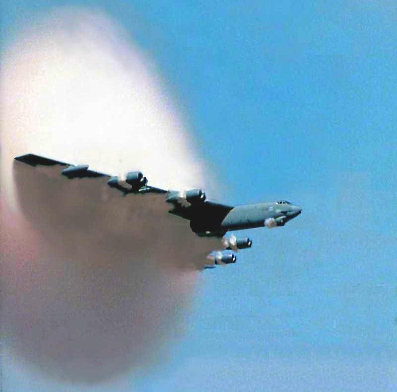 戦略爆撃機の画像 p1_32