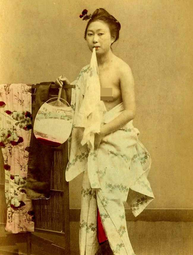 西洋人の目から見た日本明治時代の芸妓関連記事コメント