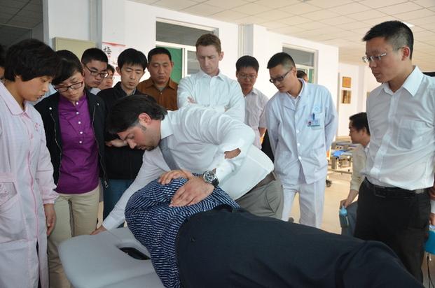 リハビリと脊椎整形手術の研修・...
