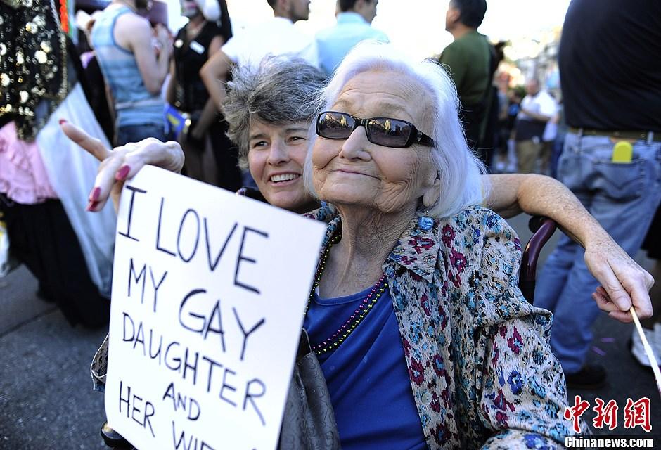 米最高裁判所が同性婚を支持 サ...
