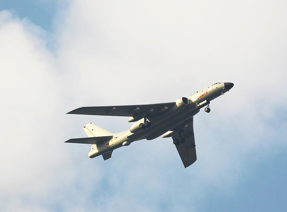 爆撃機の画像 p1_30