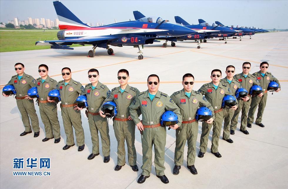 中国空軍の曲技飛行隊、初の海外アクロバット飛行コメント