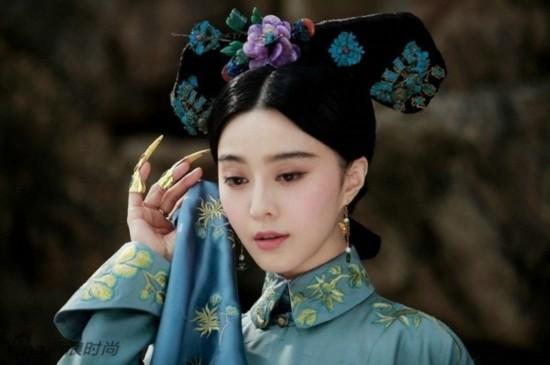 昔の服装は、女優の美しさを試す試金石である。これらの上品で艶やかな格好... 昔の服装 女優の美
