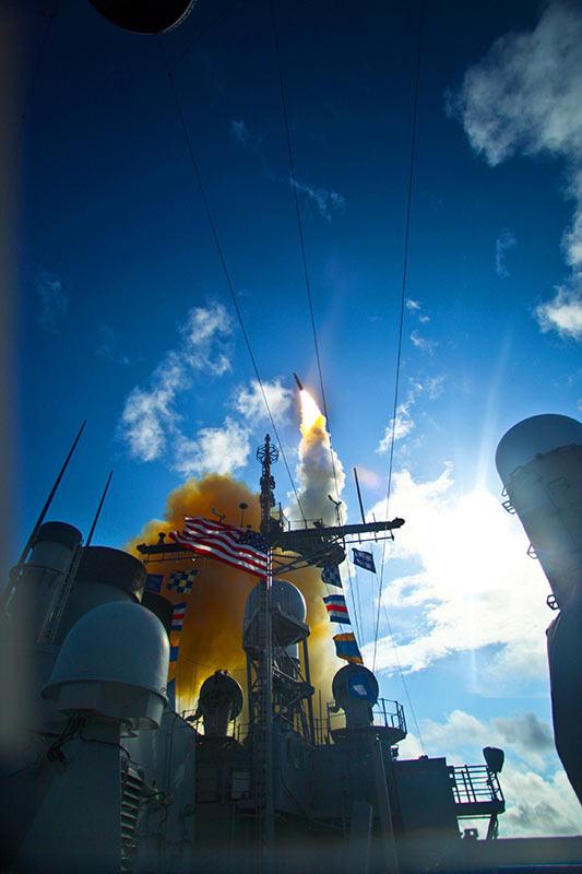 超越した威力!米艦対空ミサイル...
