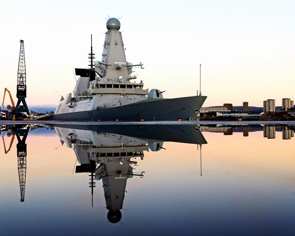 露空母艦隊、悪天候を受け英国海岸に接近コメント