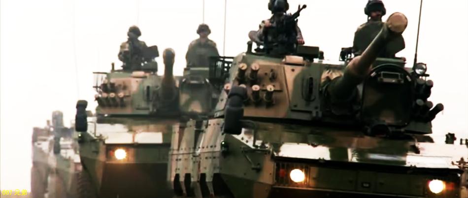 中国解放軍、新型装輪式突撃砲を公開コメント