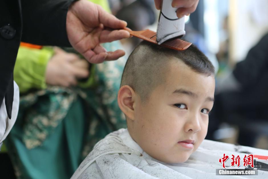 旧暦2月2日に「剃龍頭」 可愛い子供たちコメント