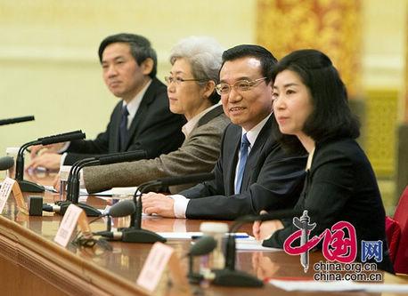 李克強総理の記者会見が示す11の新しいシグナル