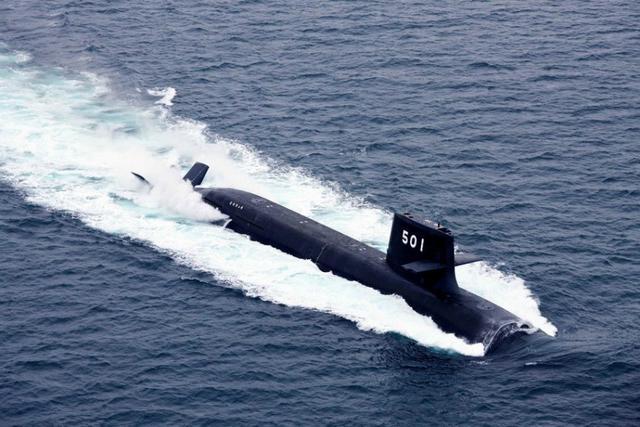 資料写真:日本のそうりゅう型潜水艦 日本の岸田文雄外相と小野寺五典防衛相は11日に東京で、オース