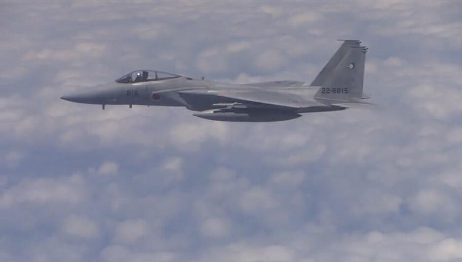 危険な内幕! 日本F-15が最新鋭のミサイルを搭載し中国機に接近コメント