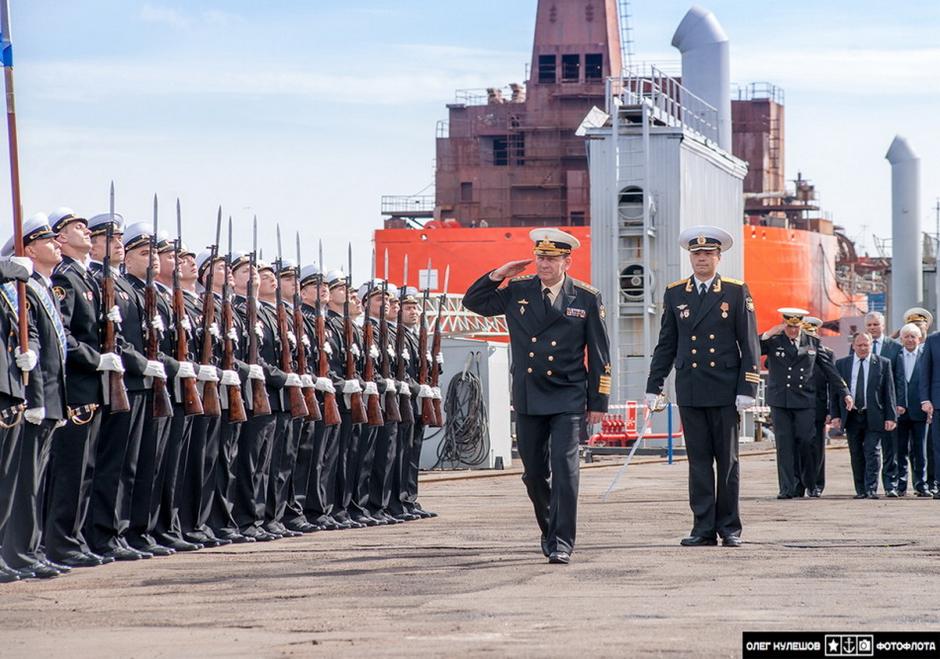 ロシア海軍第4世代攻撃型原潜885の1番艦が就役関連記事コメント