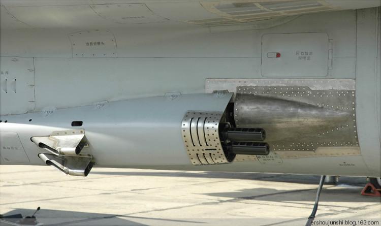 中国空軍JH-7A戦闘爆撃機の細部写真関連記事コメント