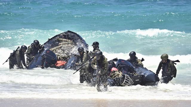 日本自衛隊、ハワイで離島奪還能力を誇示