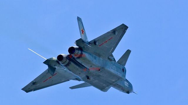 F 20 (戦闘機)の画像 p1_13