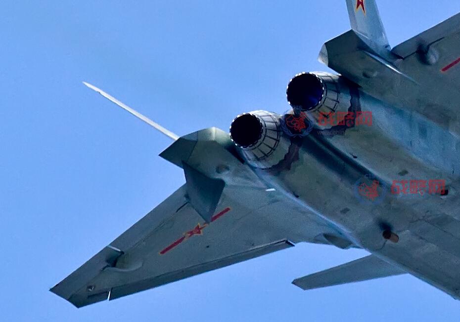 F 20 (戦闘機)の画像 p1_36