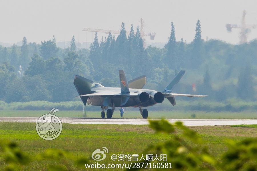 F 20 (戦闘機)の画像 p1_30