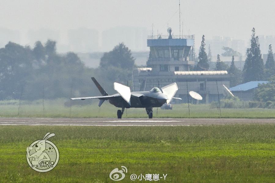 F 20 (戦闘機)の画像 p1_31