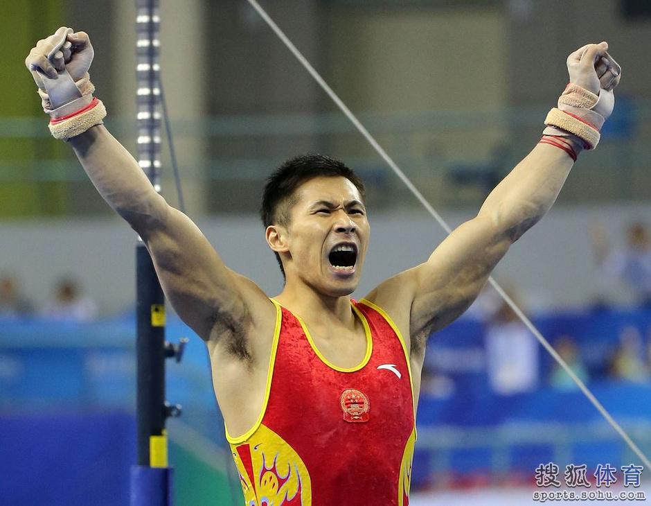体操世界選手権、中国が日本に逆...