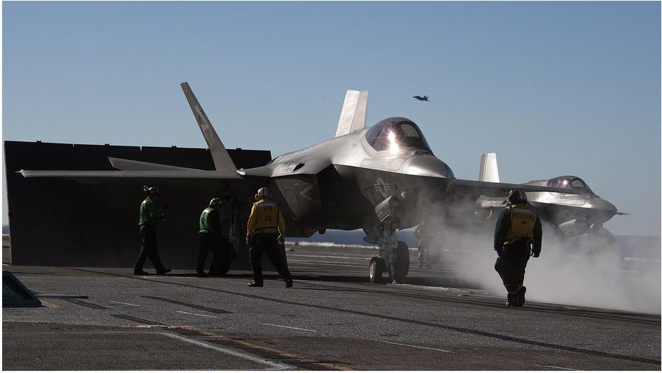 米海軍、F-35C戦闘機の空母離着艦の様子を再公開コメント