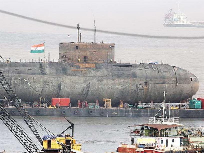 事故 潜水艦