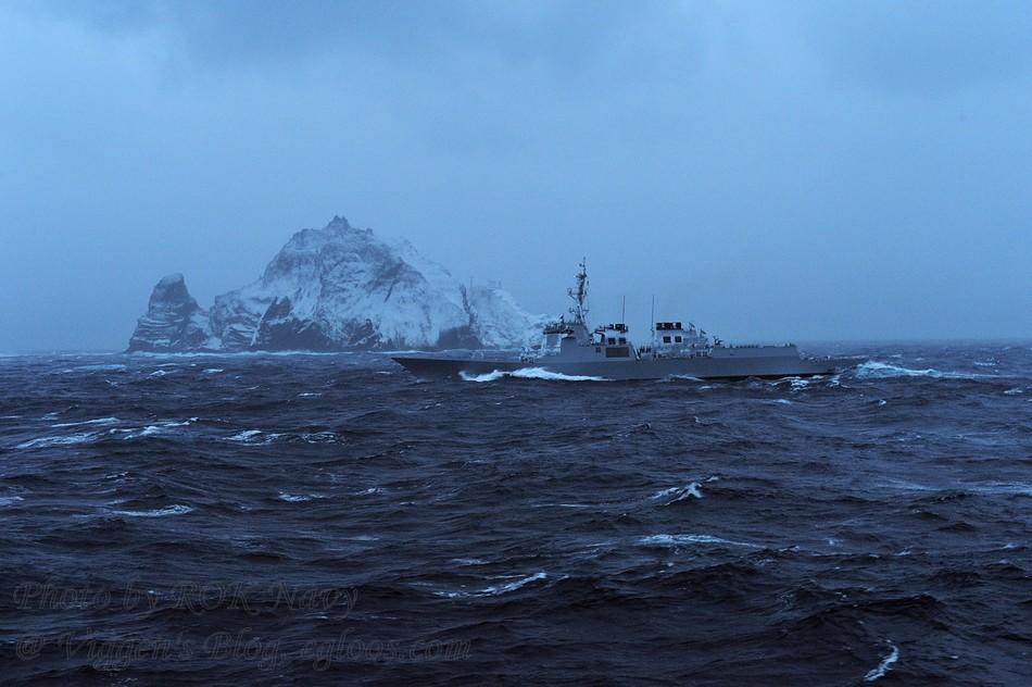 【竹島】韓国の世宗大王級駆逐艦が、新年に独島(日本名:竹島)を巡航 領海と領空を守る意志を示す[1/4] [転載禁止]©2ch.net YouTube動画>11本 ->画像>79枚