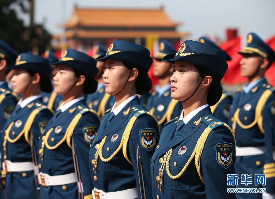 女性兵部隊は1958年に国慶節の閲兵式に初登場し、1984年の国慶節閲... 昔の貴重写真で見る
