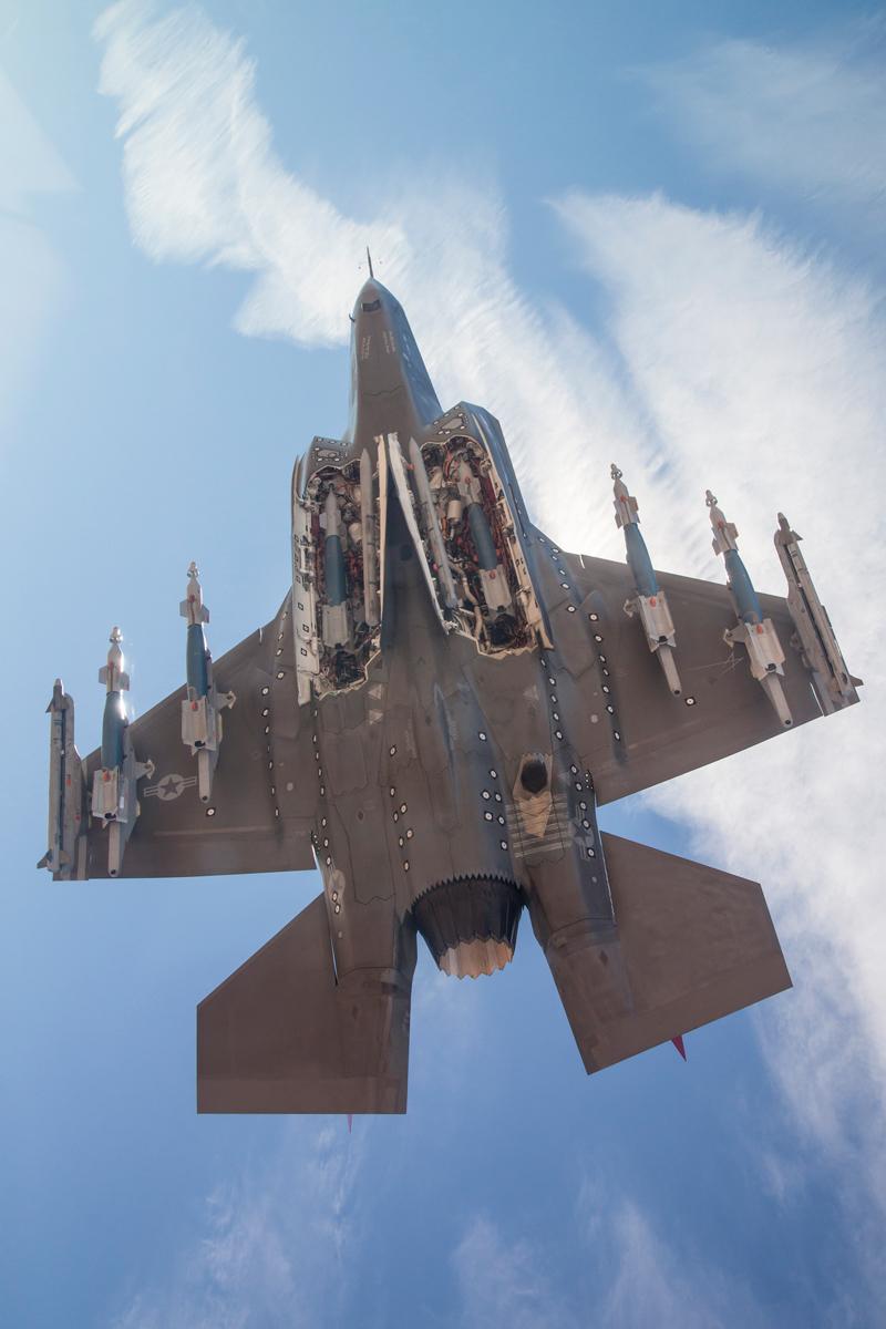 F 35 (戦闘機)の画像 p1_38