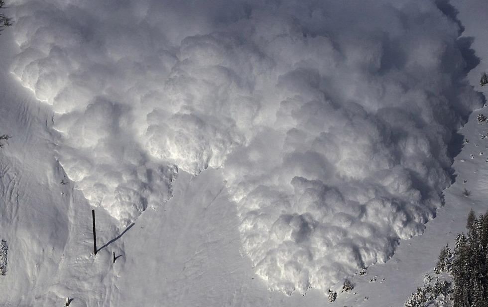 スイスで人工雪崩の実験_中国網_...