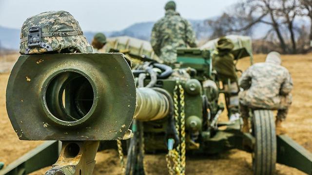 韓合同軍事演習 2種の榴弾砲が競演