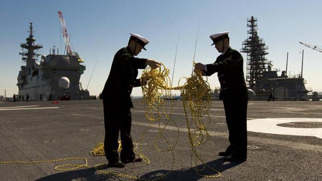 日本海自の准空母「いずも」 広々とした甲板
