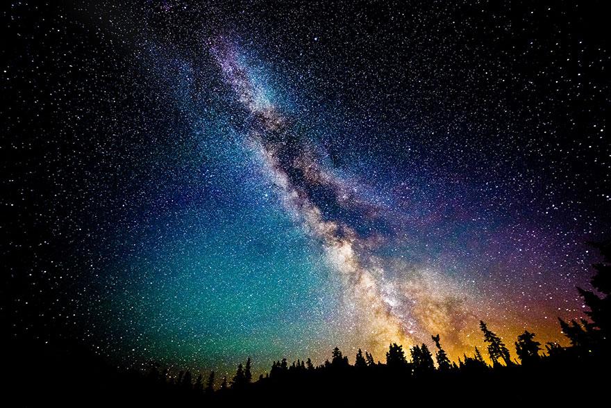 夜幕下的璀璨星空