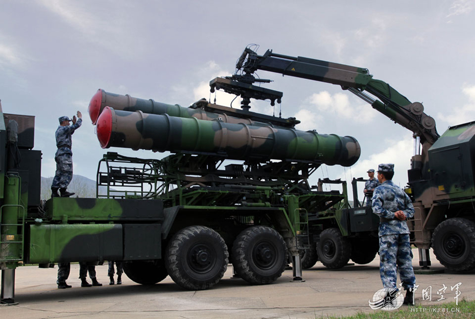 解放軍ミサイル旅団、空対地訓練...