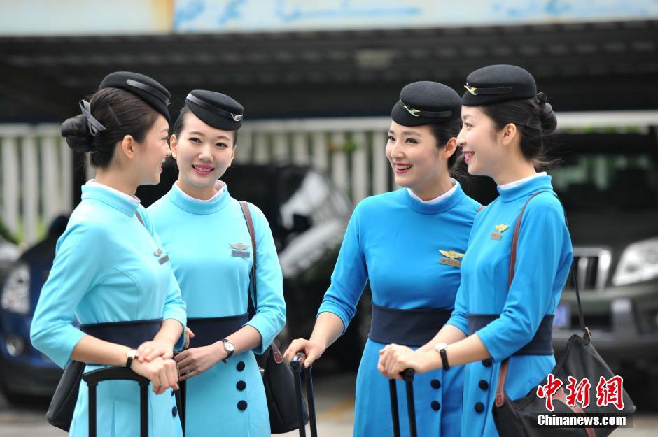 アモイ航空caの新制服 国際的な雰囲気に 中国網 日本語
