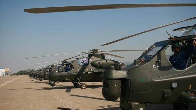 攻撃ヘリWZ-10、大量配備の画面が激写
