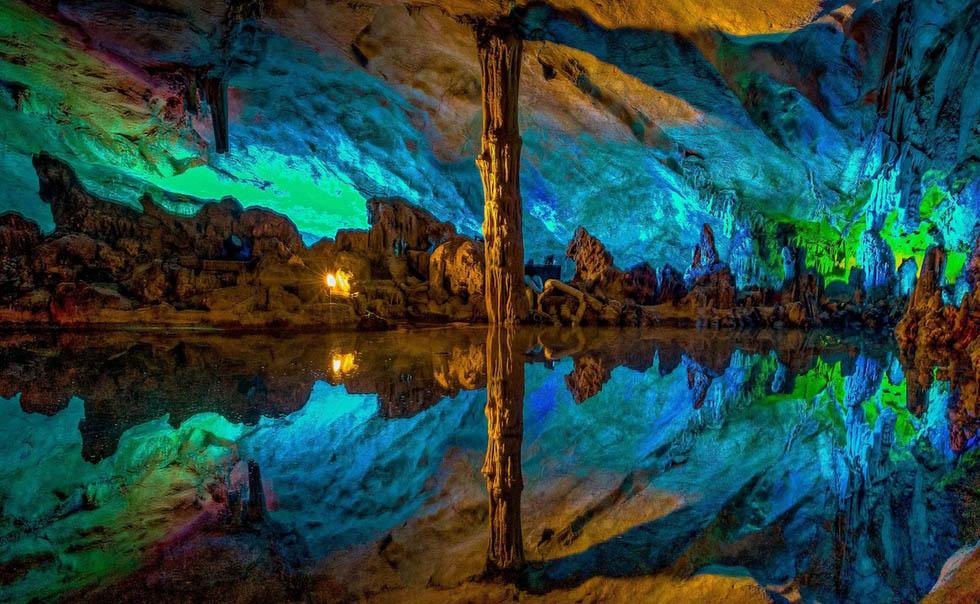 米写真家が撮った「虹色の洞窟」の絶景コメント