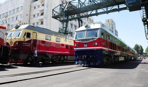 中国中車、ケニアに機関車を初輸...