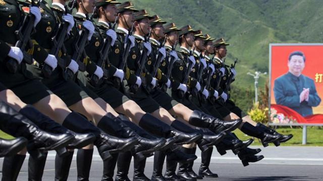 外国人記者が見た、中国の閲兵部隊