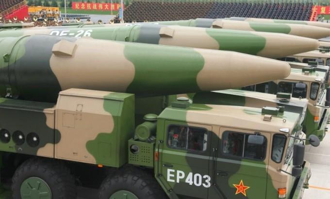 閲兵式に登場した弾道ミサイル「東風-26」、射程距離4000km