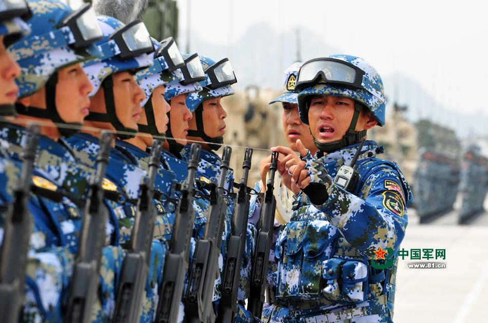 抗戦勝利記念閲兵式 海軍の訓練写真が公開コメント