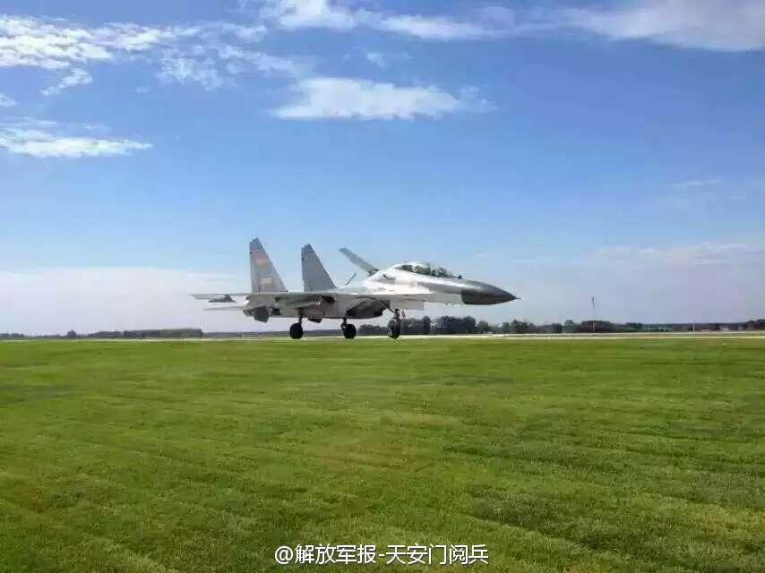 中国空軍の申進科報道官は9日の空軍航空開放日に関する記者会見で、中国空... 中国空軍、最高の礼