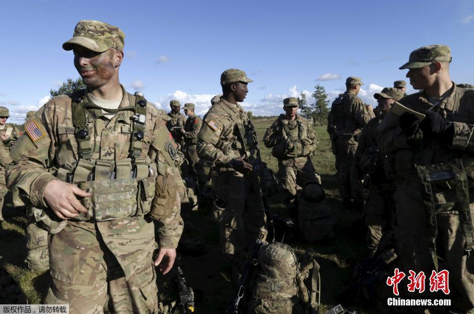 北大西洋条約機構(NATO)加盟国による合同軍事演習がラトビアのアダツ... NATO合同演習