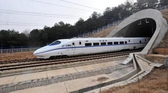 北京・モスクワ高速鉄道の整備始...